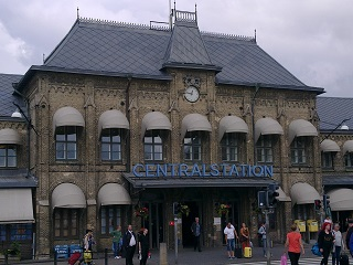 Gothenburg Central Station. Somehow, there appear to be no Iron Maiden fans visible in this picture.