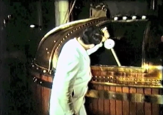 Brewery tours were a lot different in 1961, as this archive film from Phipps NBC shows. Why is this man wearing a white coat and not a Metallica t-shirt?