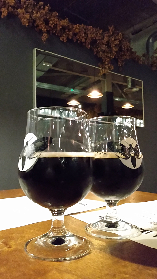 [THE SOUND OF TWO 10%ISH BEERS BEFORE BEDTIME AT CAFE BEERMOTH]