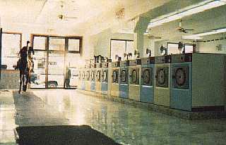 Steven Pippin: still from documentary on Laundromat-Locomotion