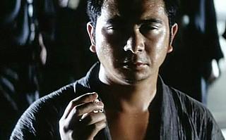 Shintaro Katsu keeps an eye out for trouble in Zatoichi The Fugitive